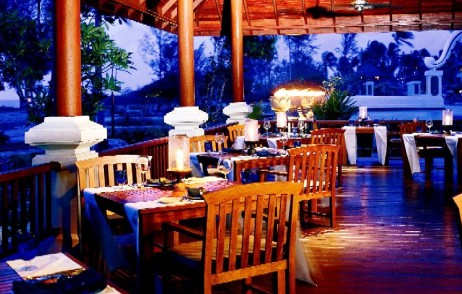 The Rim Talay Restaurant  - Stylish ambiance