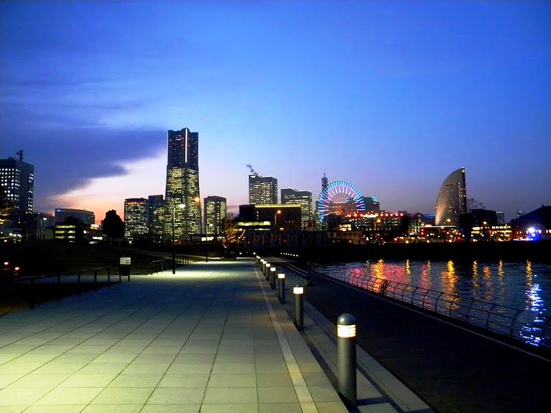 http://www.bestourism.com/img/items/big/7121/Yokohama_Yokohama-view-by-night_9267.jpg