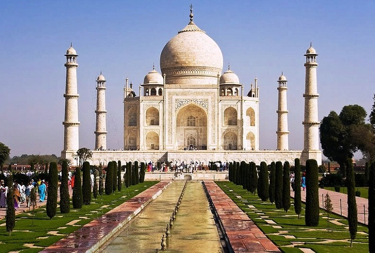 Agra in India - Beautiful Taj Mahal