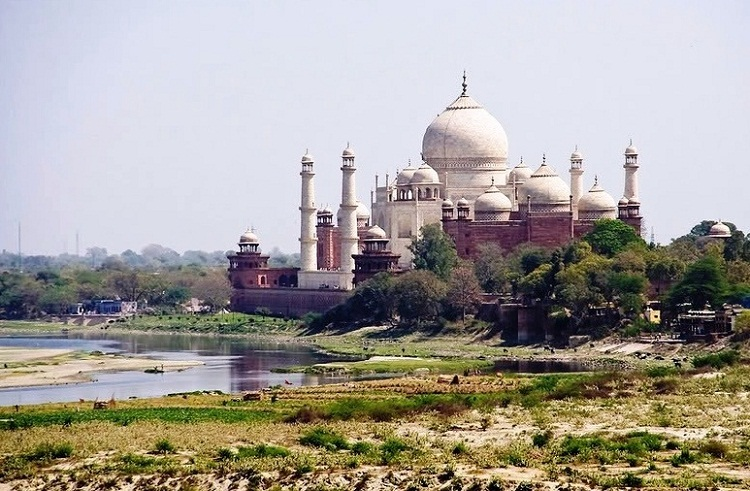 Agra in India - Taj Mahal complex