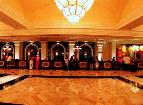Холл казино монте карло фото капитан джек игровые автоматы играть бесплатно