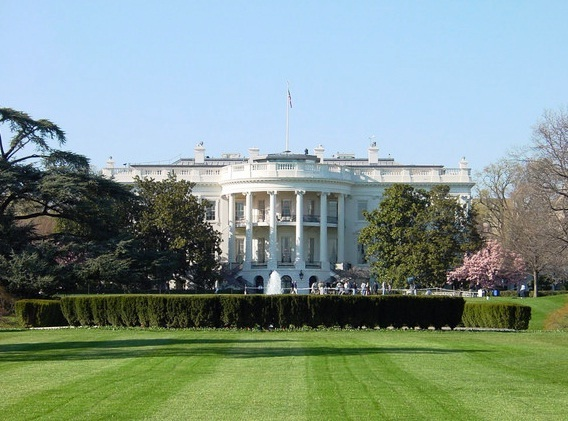 Images White House Front view 10489