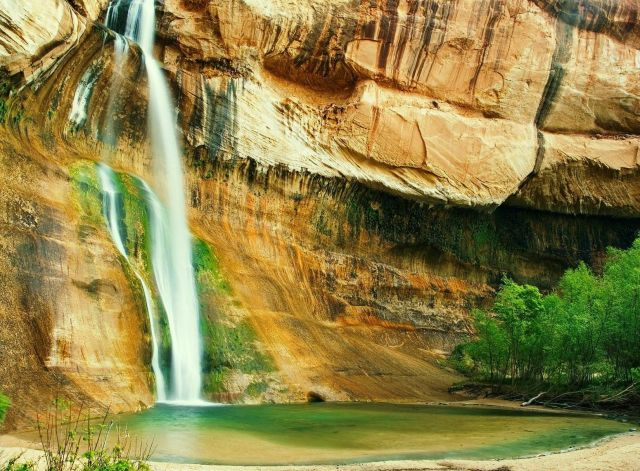 Utah Waterfalls - Calf Creek Falls