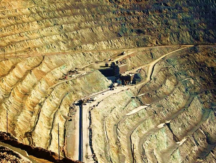 The Bingham Canyon Mine - Close-up view of loading point