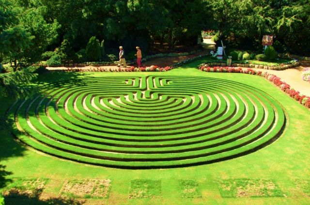 Cockington Green Gardens - A maze