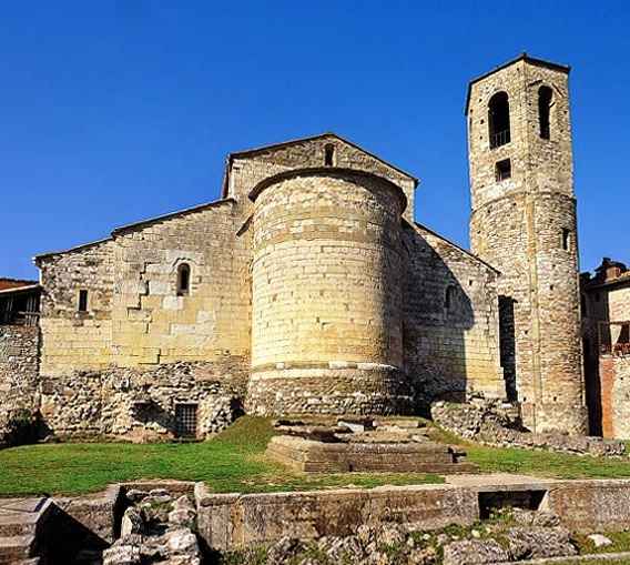 Casentino Italy  City new picture : ... most beautiful places to visit in Casentino, Italy > Castel Focognano