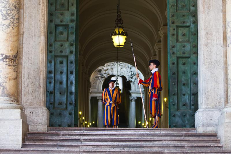 St. Peter's Basilica - Swiss Guards