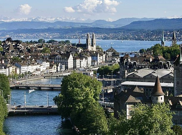 Z rich the most popular places to visit in switzerland for Piscine zurich