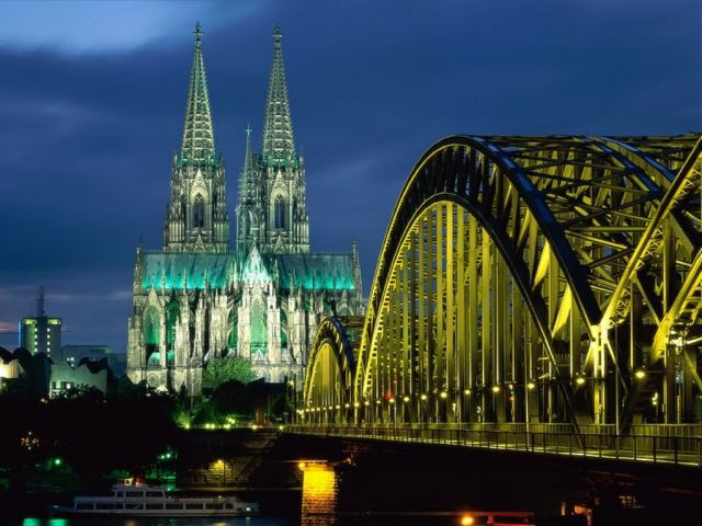 Cologne Cathedral - Cologne Cathedral night view