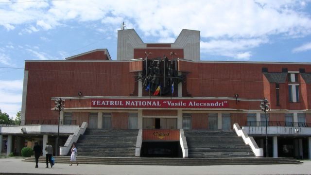 The National Theatre Vasile Alecsandri - general view