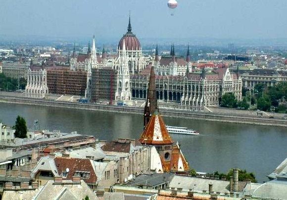 Budapest-a truly capital city - The Parliament Building
