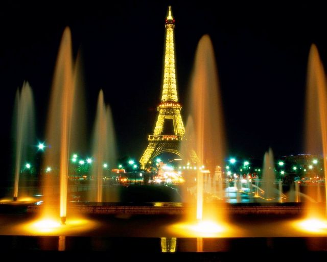 The Eiffel Tower - Night view