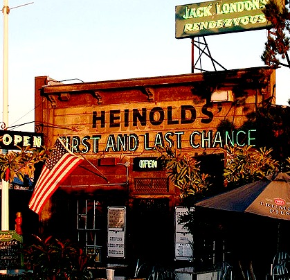 Heinolds´ First and the Last Chance Bar - Old fashioned pub