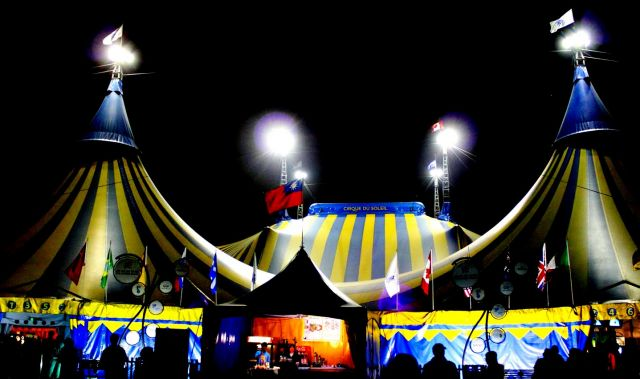 Heavenly show from China  – the most amazing circus - Luxutious location