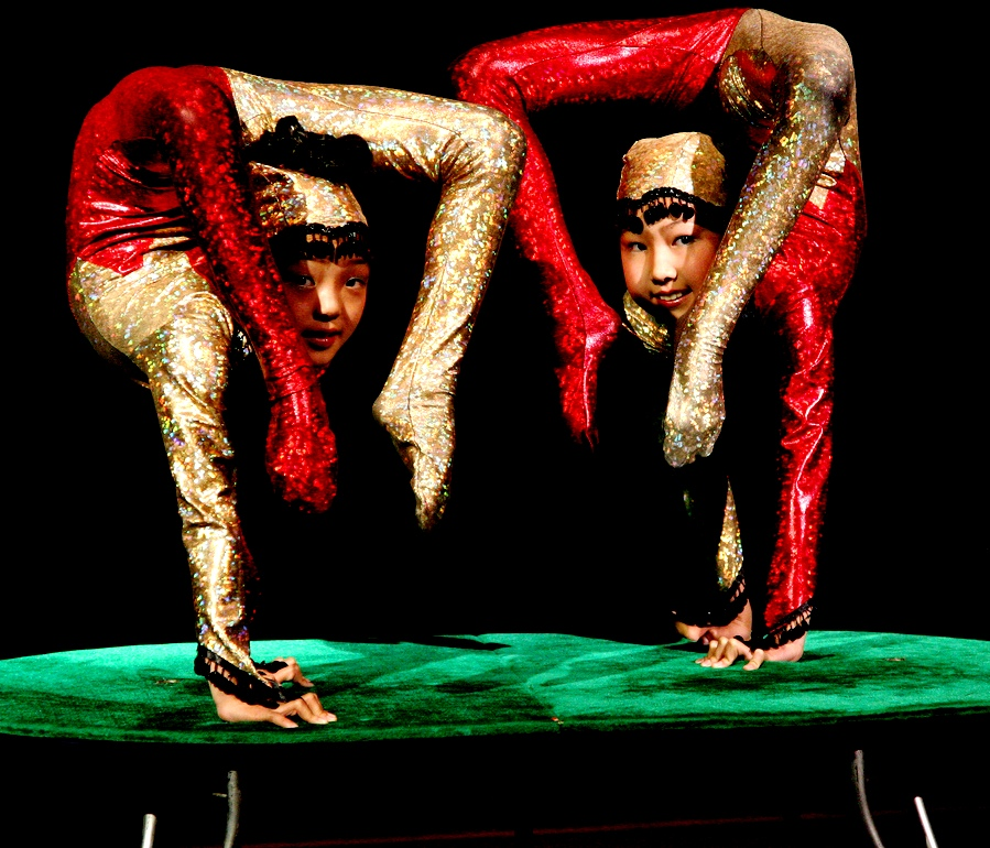 Heavenly show from China  – the most amazing circus - Young artists