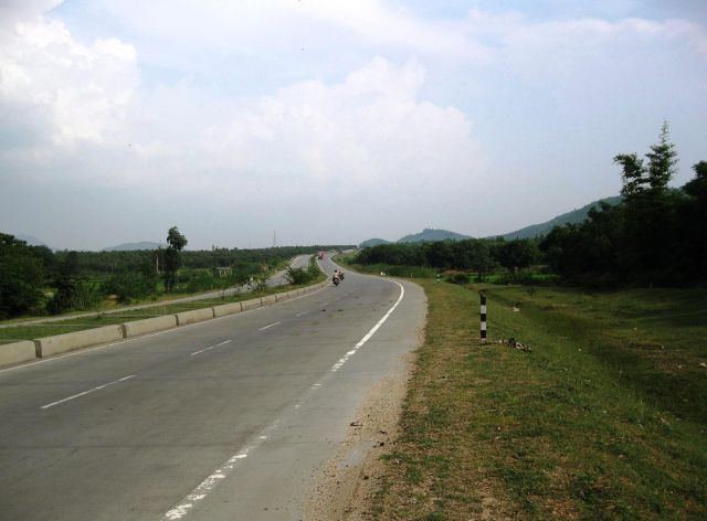 The Grand Trunk Road  - A difficult road
