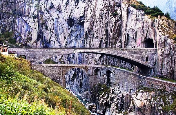 The Gotthard Pass-mysterious road in Switzerland - Excellent view