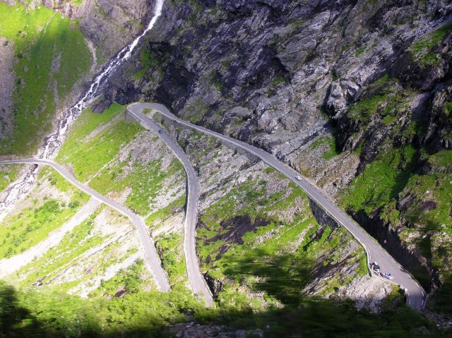 The Trollstigen Road - Sharp turns