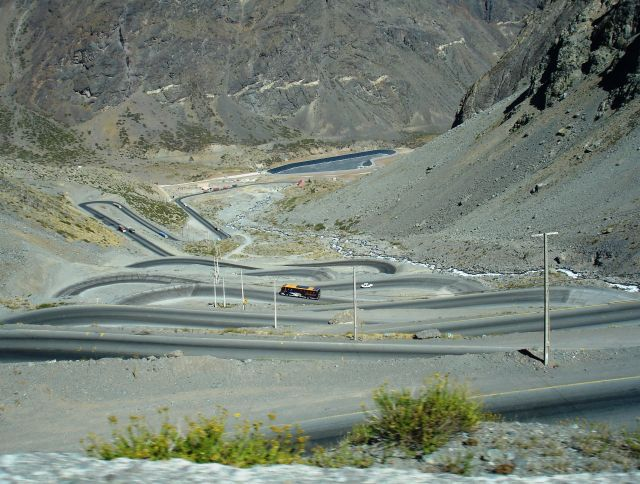 Los Caracoles Pass - A winding road