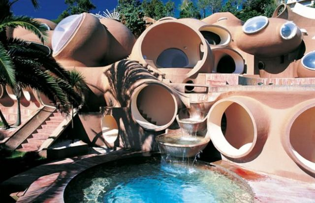 The Bubble House - Pierre Cardin