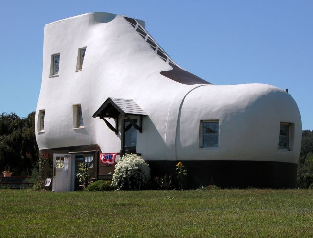 The shoe house images a funny house