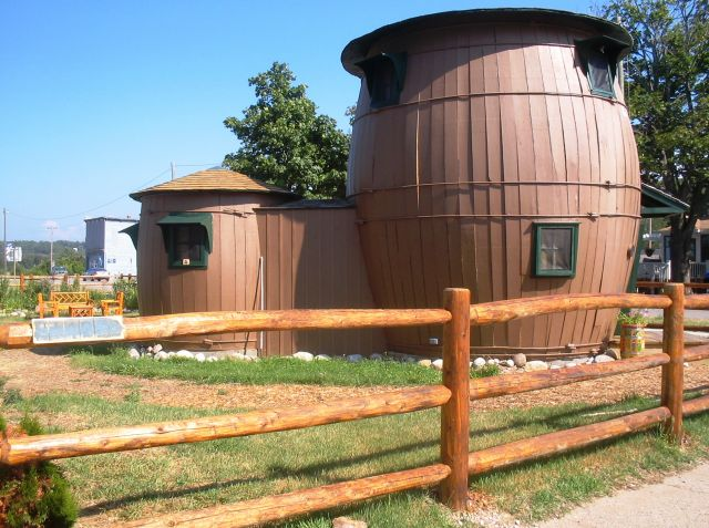 The Pickle Barrel House - A two-level cabin