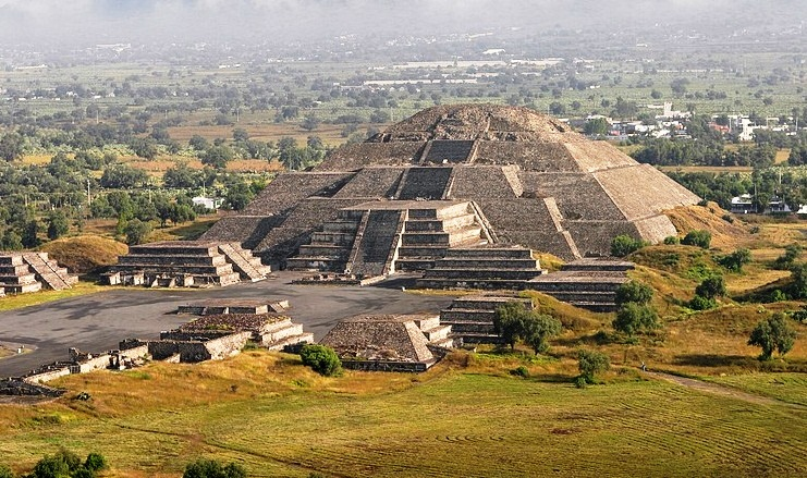 The Pyramid of the Moon - Fantastic destination