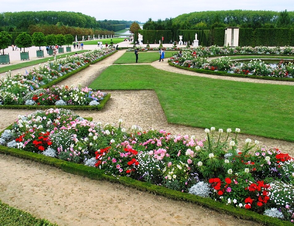 The versailles gardens the most beautiful botanical for Garden design versailles