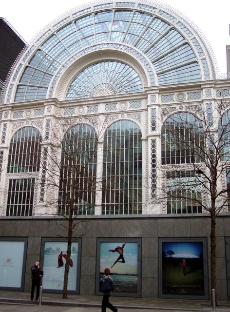 The royal theatre covent garden the best theatres in for Interesting garden buildings