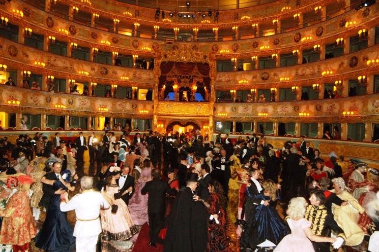 تئاتر ققنوس (Teatro La Fenice)