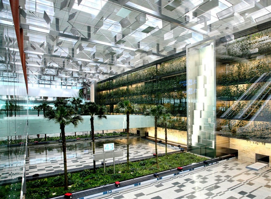 Changi Airport in Singapore - Fantastic beauty