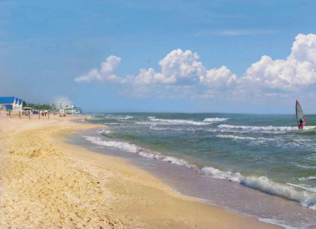 The Azov Sea - Irresistible charming beach