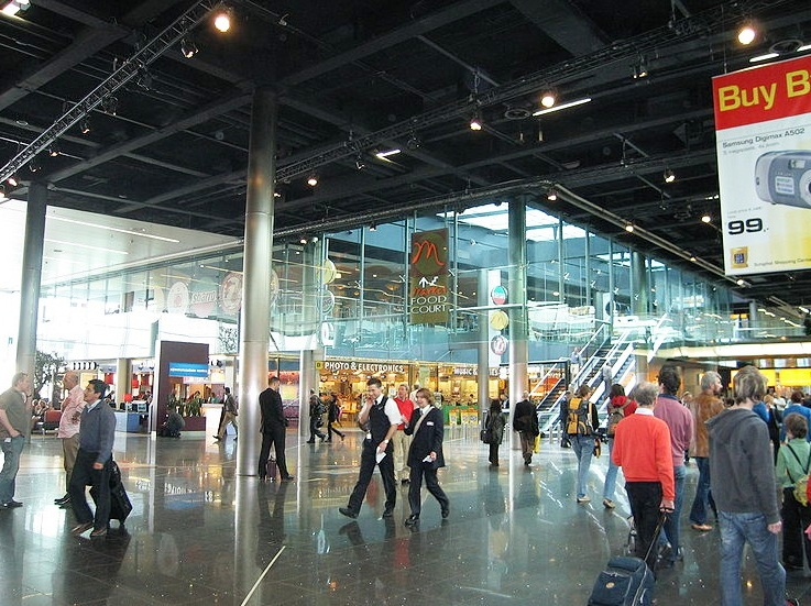 Schiphol Airport in Amsterdam - Shopping area