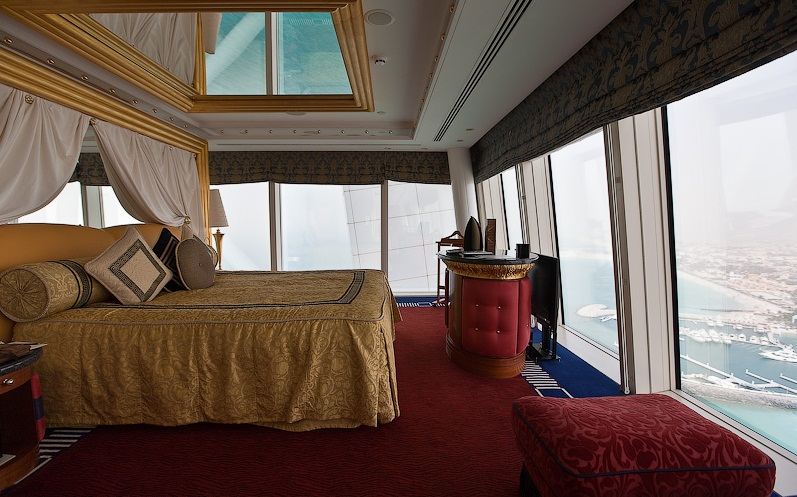 The burj al arab hotel dubai the most futuristic for Most expensive hotel room in dubai