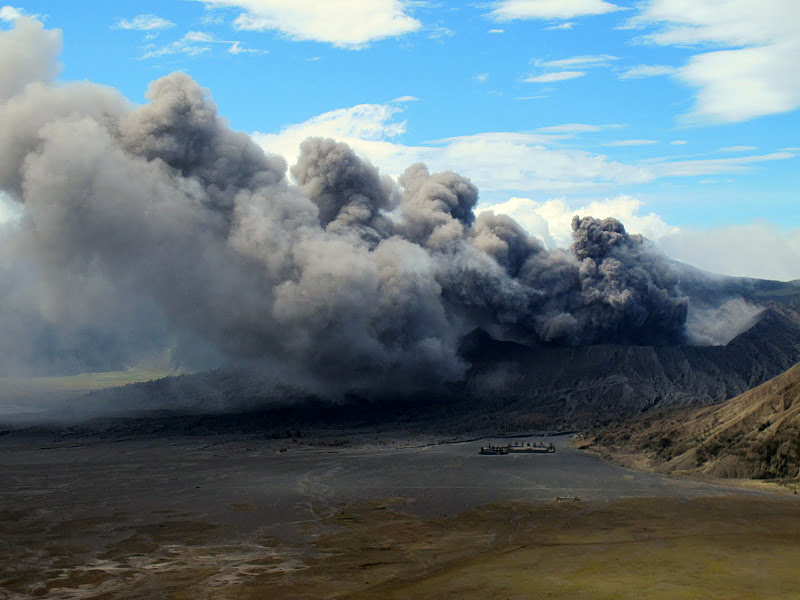 Bromo - Best view of the surrounding volcano