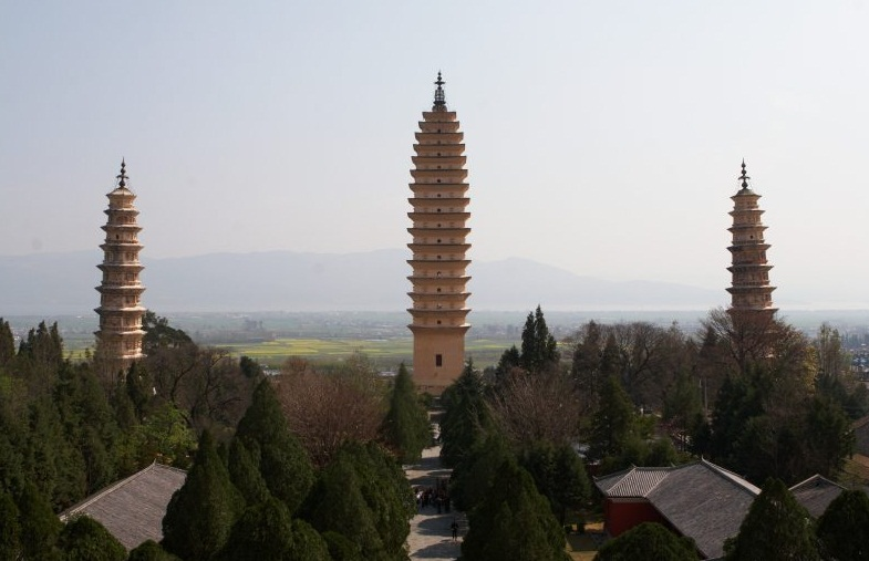The Three Pagodas, Dali - Majestic monuments