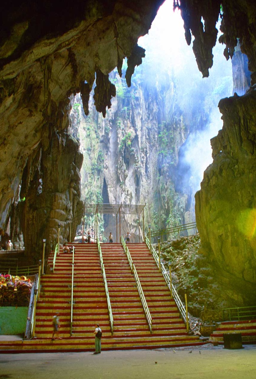 Batu Caves Malaysia The Most Beautiful Caves And Grottos Of The World