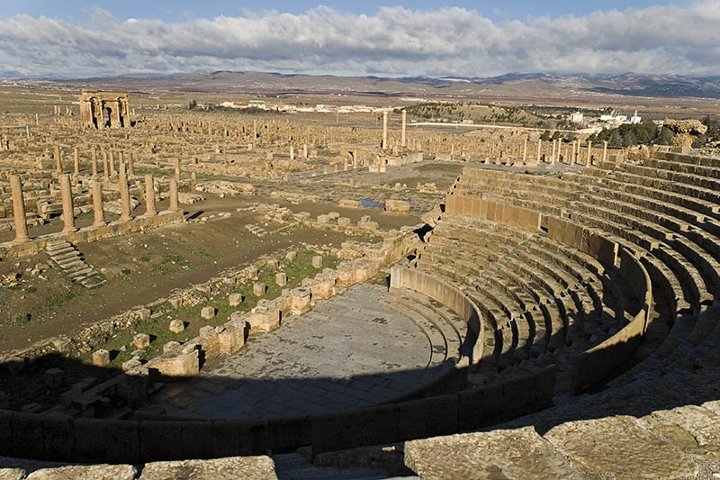 Teater di Timgad   Sumber: Best Tourism