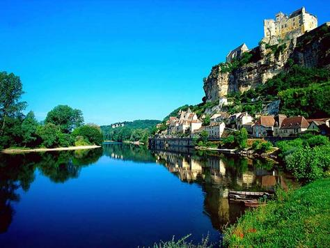 Dordogne valley dordogne river view images