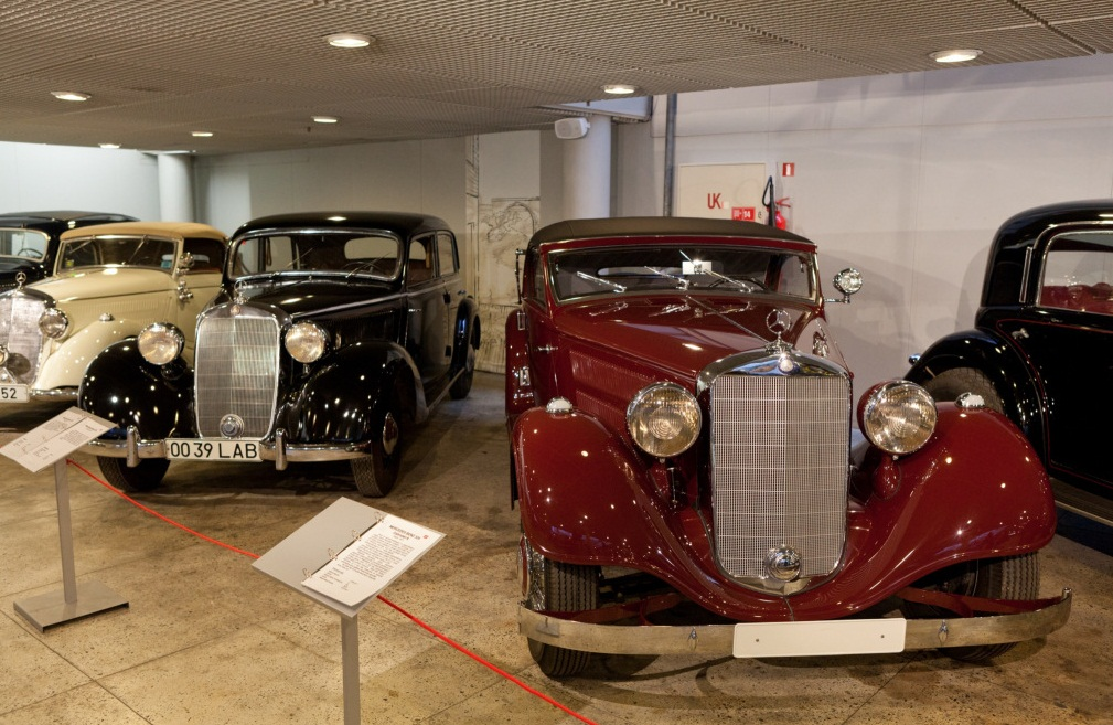 Riga Motor Museum - Large exhibition