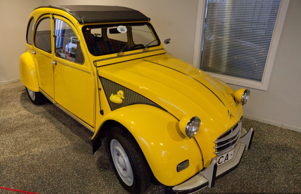 Riga Motor Museum - Yellow car