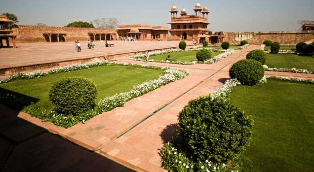 Agra - An Architectural Marvel of India - Impressive view