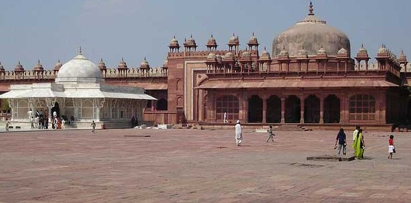 Agra - An Architectural Marvel of India - Popular tourist attraction