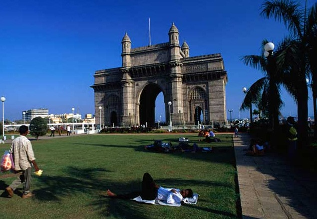 Mumbai - A City of Contrasts  - Gateway of India