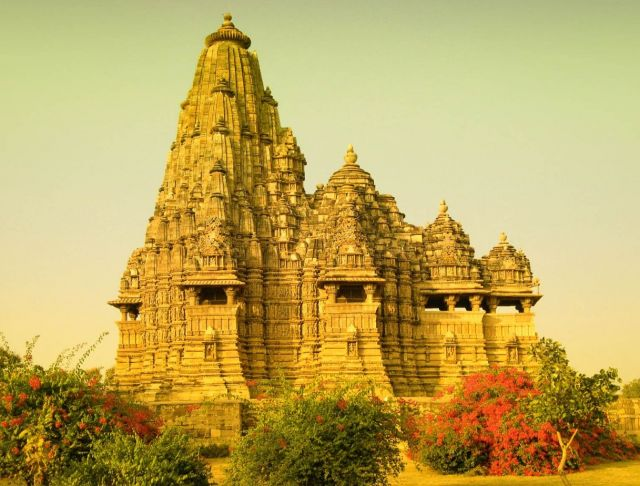 Khajuraho - the origin of Kama Sutra -  Mahadeva Temple