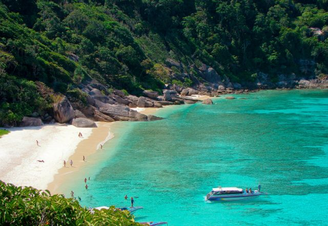 Similan Islands - Dazzling white sand