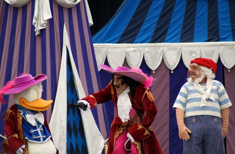 Disneyland in Orlando - Captain Hook and Donald