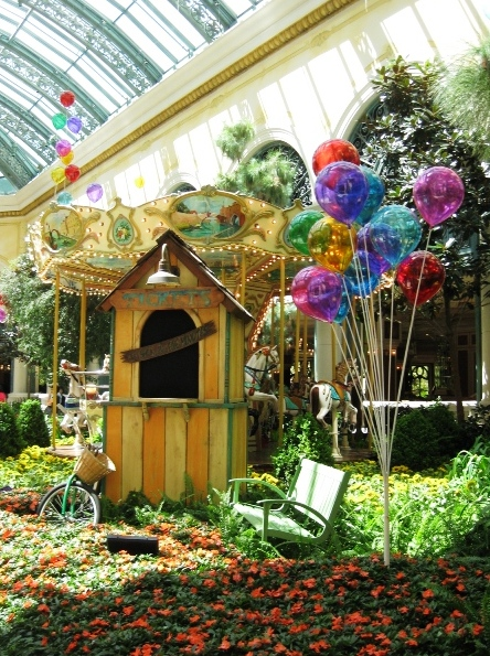 Bellagio Conservatory and Botanical Garden - Delightful living art