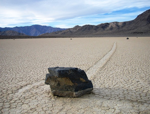 Death Valley National Park - Sliding stones