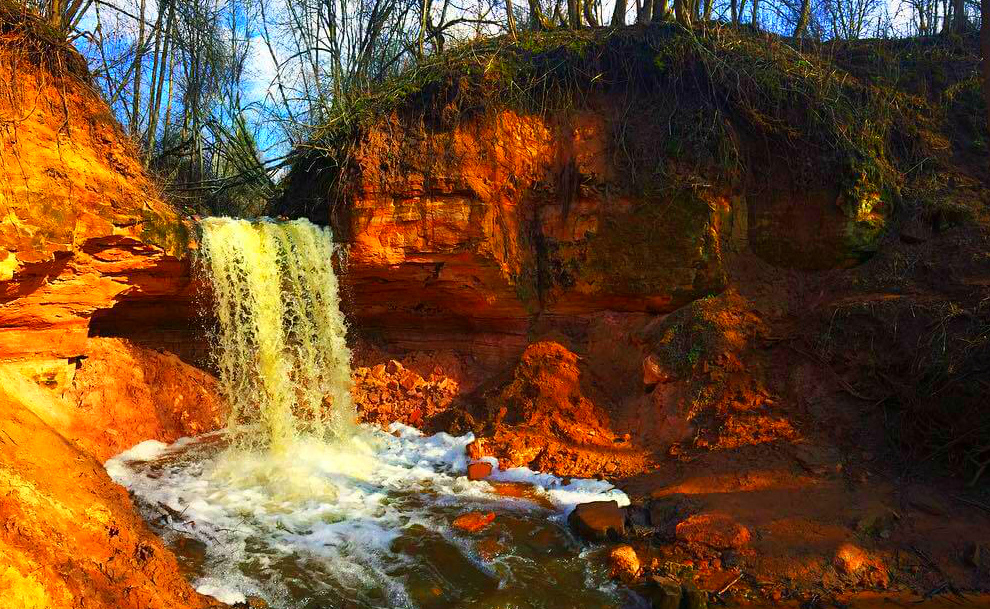 Gorchakovschinsky Falls and Lyubshanskaya Fortress - Beautiful waterfall